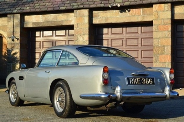 1965-aston-martin-DB5-rear