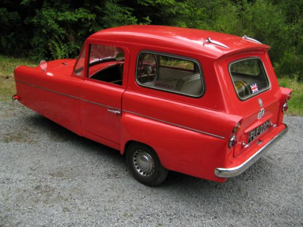 Three Wheeled Estate 1965 Bond Minicar