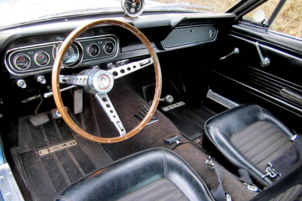 1966-Shelby-GT350-Survivor-interior