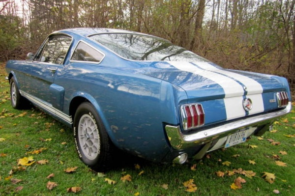 1966-Shelby-GT350-Survivor-rear