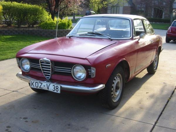Stepnose garage find 1966 alfa romeo gtv - Nearest alfa romeo garage ...