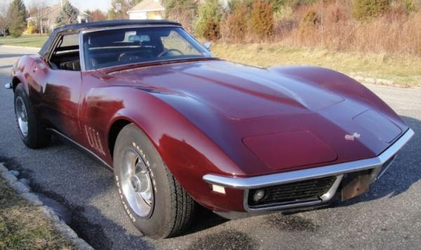 1968-Corvette-Convertible-driver