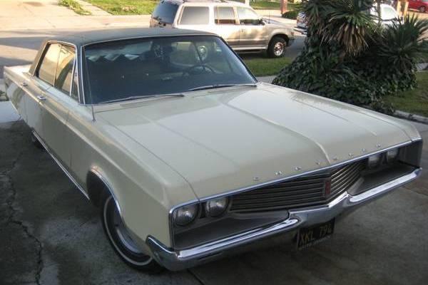 1968-chrysler-newport-four-door