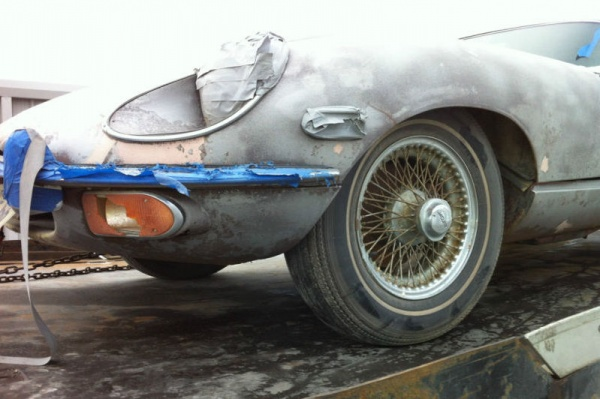 1970-Jaguar-XKE-Roadster-project-fender