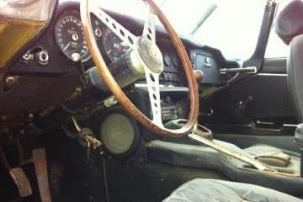 1970-Jaguar-XKE-Roadster-project-interior
