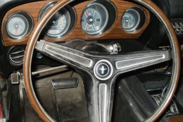 1970-Mach-1-Garage-Find-dash