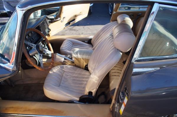 1970-jaguar-e-type-barn-find-interior