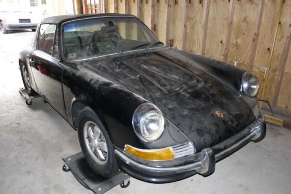 1971-Porsche-911-Targa-hood
