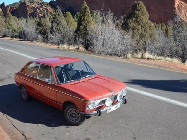 1973-BMW-2002-Touring-front
