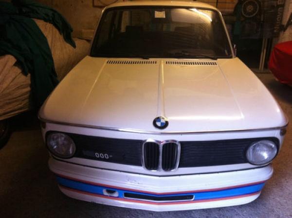 1975-BMW-2002-Turbo-front