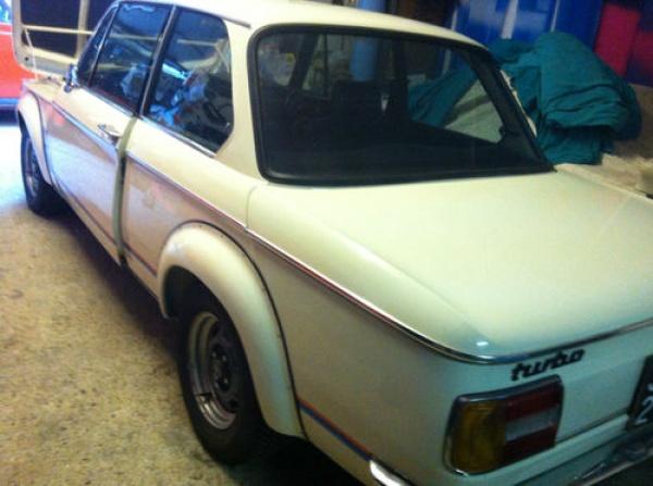 1975-BMW-2002-Turbo-rear