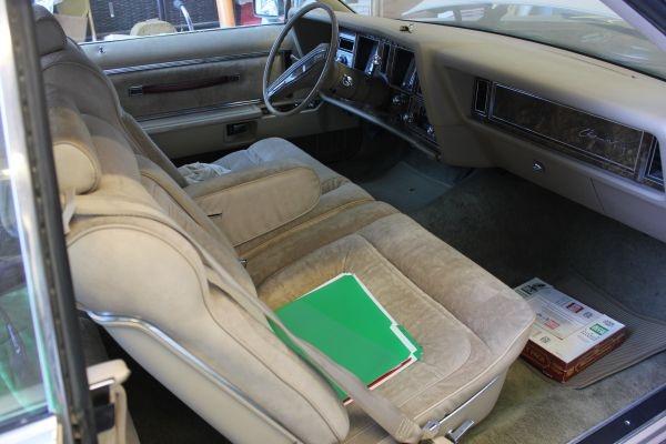 1978-lincoln-wagon-interior