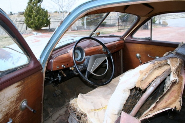 barn-wood-1951-ford-country-squire-interior