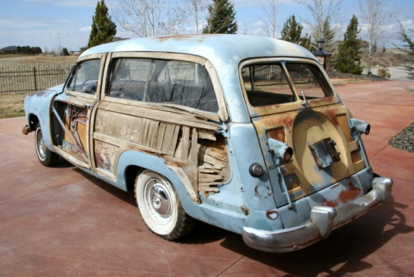 barn-wood-1951-ford-country-squire-rear-corner