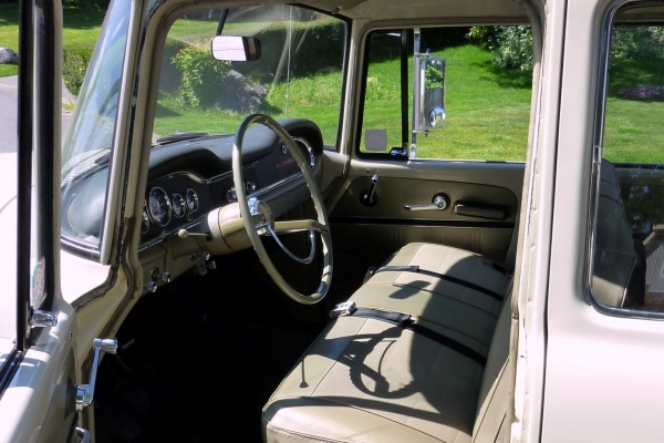Farm Truck Engine >> 1968 International Travelette Barn Find