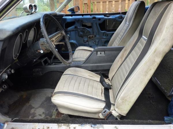 mats-j-code-mach-1-mustang-interior