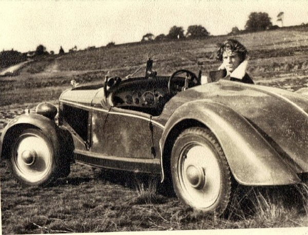 mystery-car-with-dad