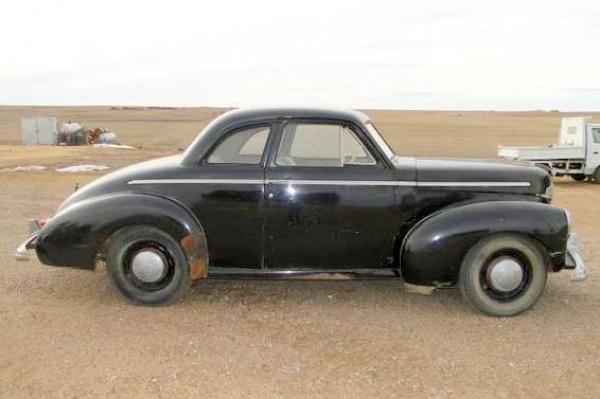1942-studebaker-champion-coupe-passenger-side