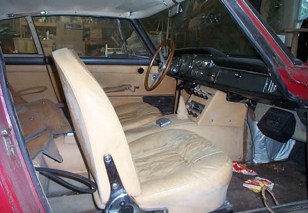 1963-Ferrari-250-GTE-interior