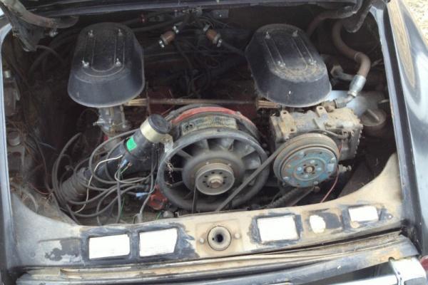 1969-Porsche-911S-engine