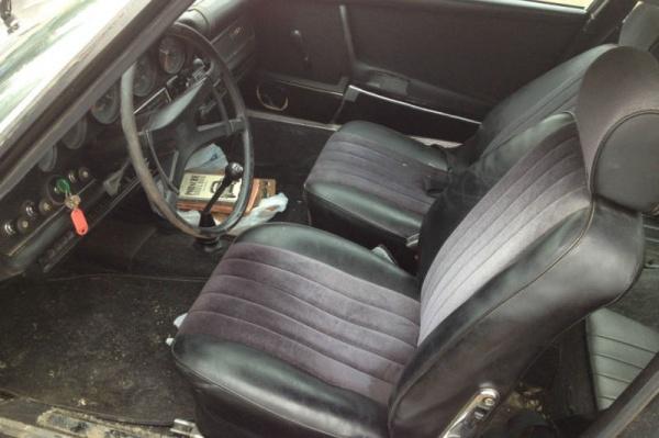 1969-Porsche-911S-interior