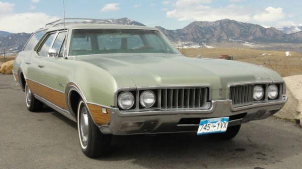 Low Mileage Wagon: 1969 Oldsmobile Vista Cruiser