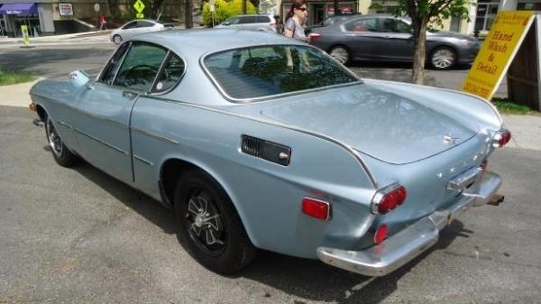 1971-Volvo-1800E-fins