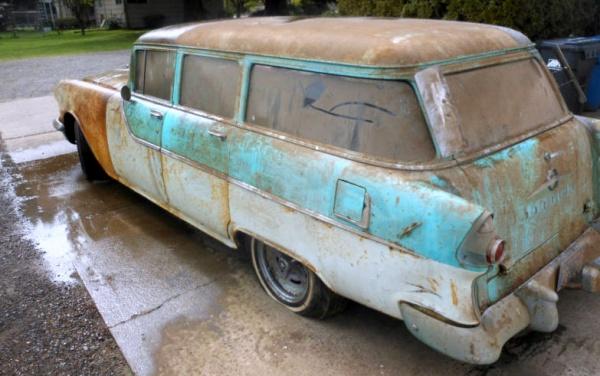 patina-or-rust-1955-pontiac-wagon