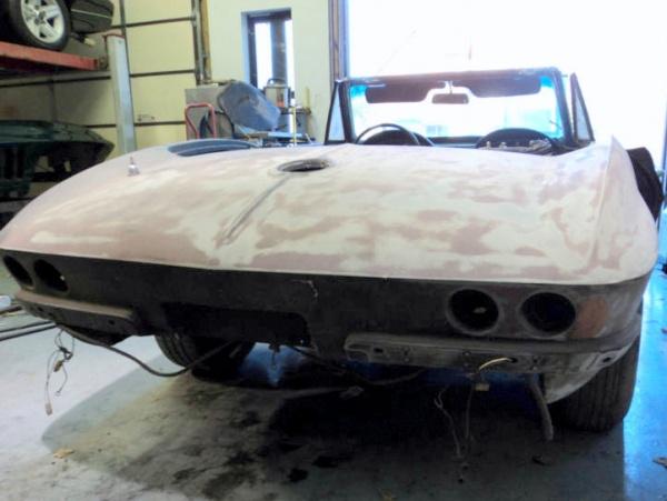picked-apart-1966-corvette-427-rear-end