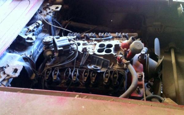 project-1961-corvette-barn-find-engine