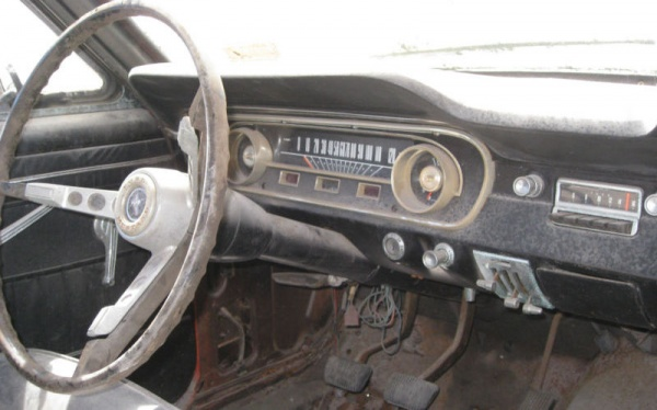 rally-pack-1964-ford-mustang-interior