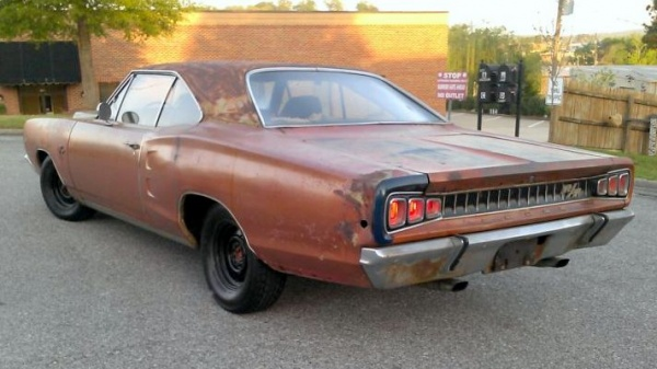 survivor-mopar-1968-dodge-coronet-rt-rear-corner