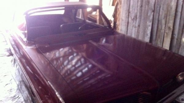 topless-barn-find-1962-pontiac-bonneville-convertible