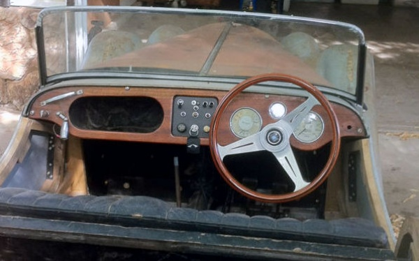 unfinished-1963-morgan-44-project-interior