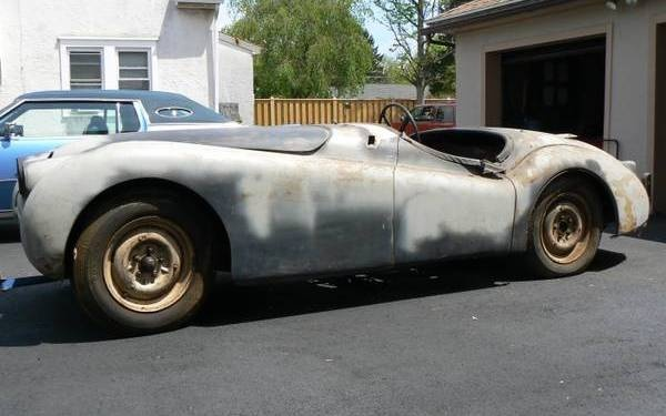 1950-Jaguar-XK120-side