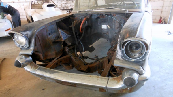 1957-chevy-bel-air-coupe-project-engine-bay