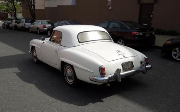 1958-Mercedes-190SL-rear