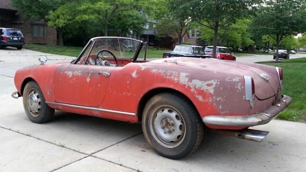 1963-alfa-romeo-giulia-1600-spider-rear-corner