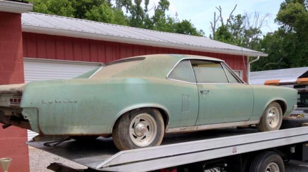 1967-pontiac-lemans-rear-corner