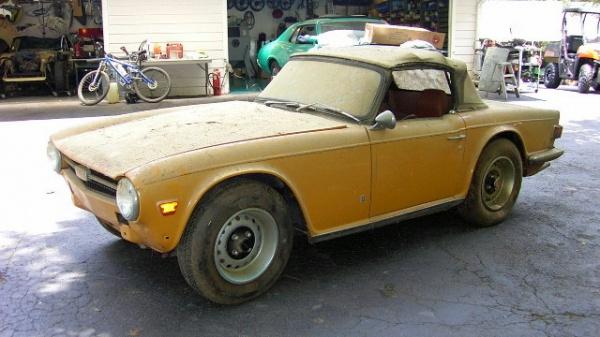 1972-triumph-tr6-barn-find-front
