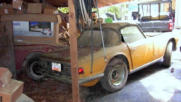 1972-triumph-tr6-barn-find