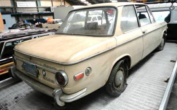 beater-bavarian-1970-bmw-2002-rear