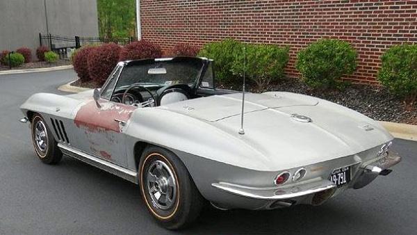 gold-survivor-1966-corvette-rear