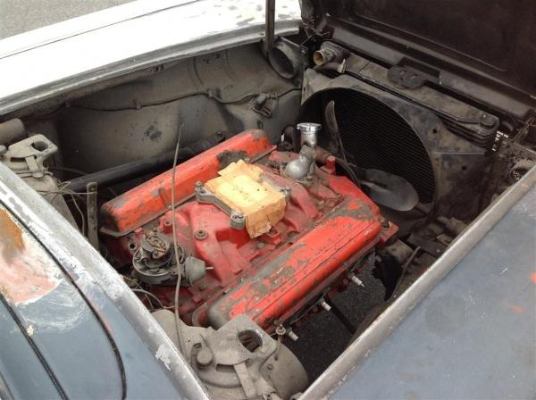mostly-complete-1961-corvette-engine