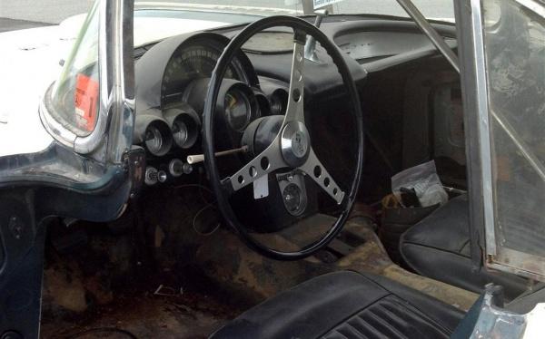 mostly-complete-1961-corvette-interior