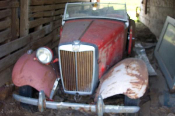 1953-MG-TD-in-the-barn