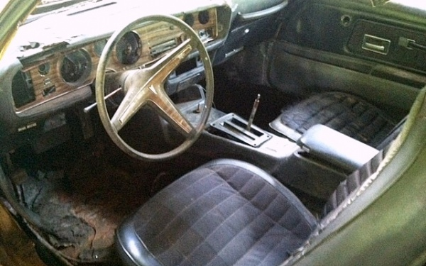 1972-pontiac-firebird-formula-interior