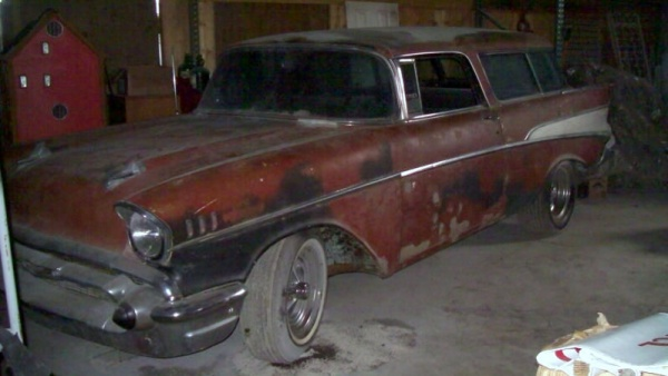 rough-wagon-1957-chevy-nomad-front-corner