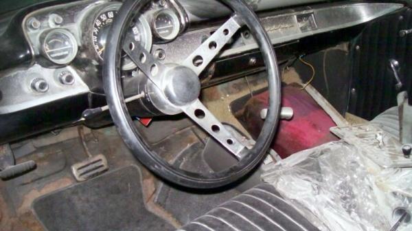 rough-wagon-1957-chevy-nomad-interior