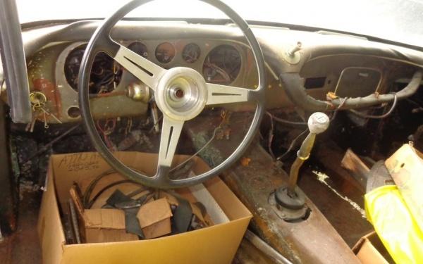 1960-Maserati-3500gt-interior